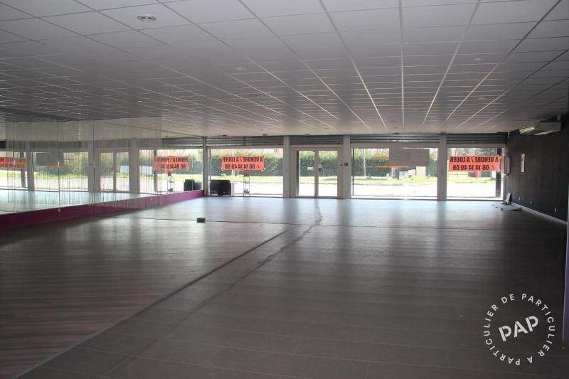 Local commercial 2.200 € 460 m² Cavaillon (84300)