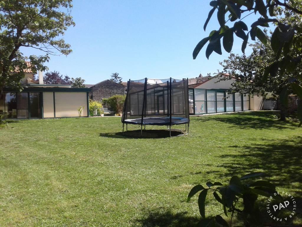 Maison 305.000€ 196m² Saint-Sauvant (86600)