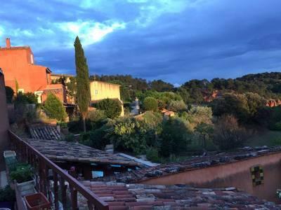 Roussillon (84220)