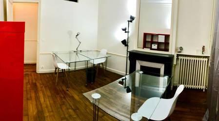 Bureaux, local professionnel Paris 15E (75015) - 27m² - 1.680€