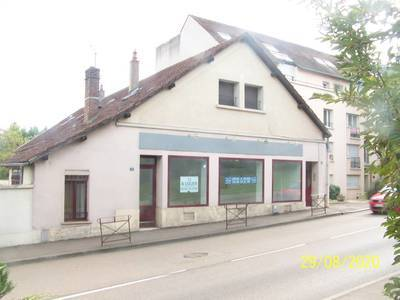 Local commercial Auxerre (89000) - 93 m² - 935 €