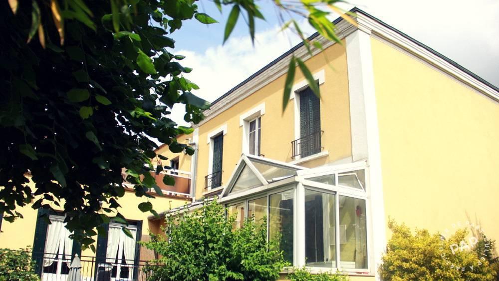 Appartement 643€ 15m² Rosny-Sous-Bois (93110)
