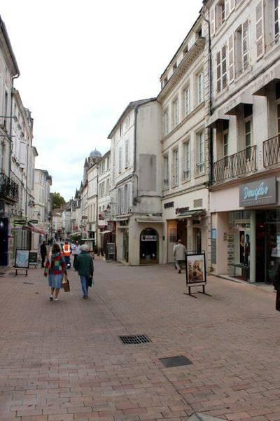 Saintes (17100)