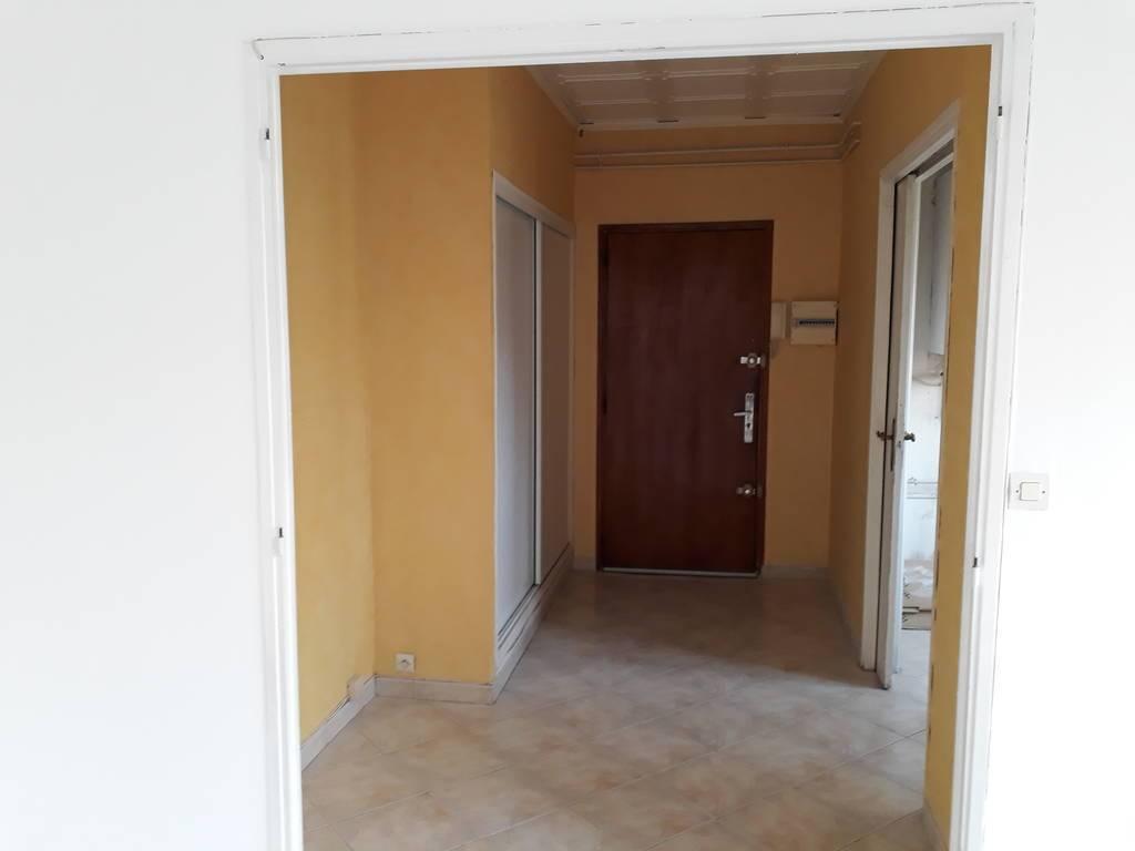 Vente et location immobilier 950€ Toulon (83000)