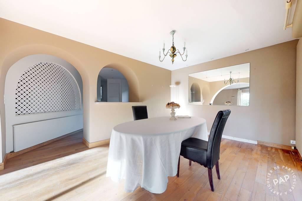 Maison Bourg-De-Visa 295.000€