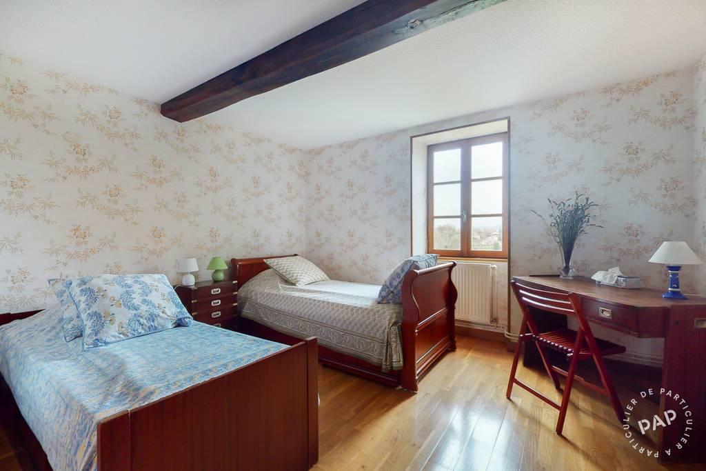 Immobilier La Clayette 300.000€ 236m²