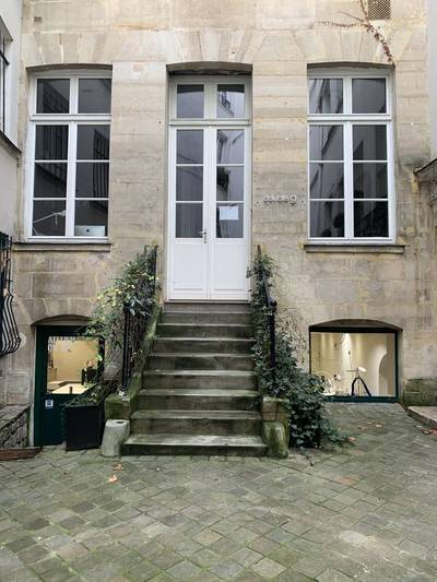 Local d'activité Paris 1Er (75001) - 50 m² - 1.723 €