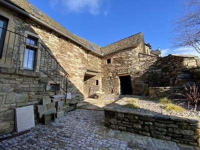 Castelnau-De-Mandailles (12500)