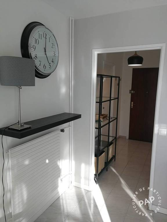 Location immobilier 980 € Paris 18E (75018)