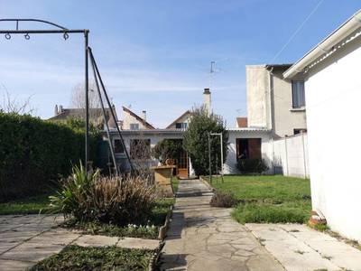 Se Décomposant En 2 Maisons Individuelles Bois-D'arcy (78390)