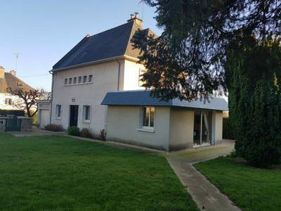 Fougères (35300)