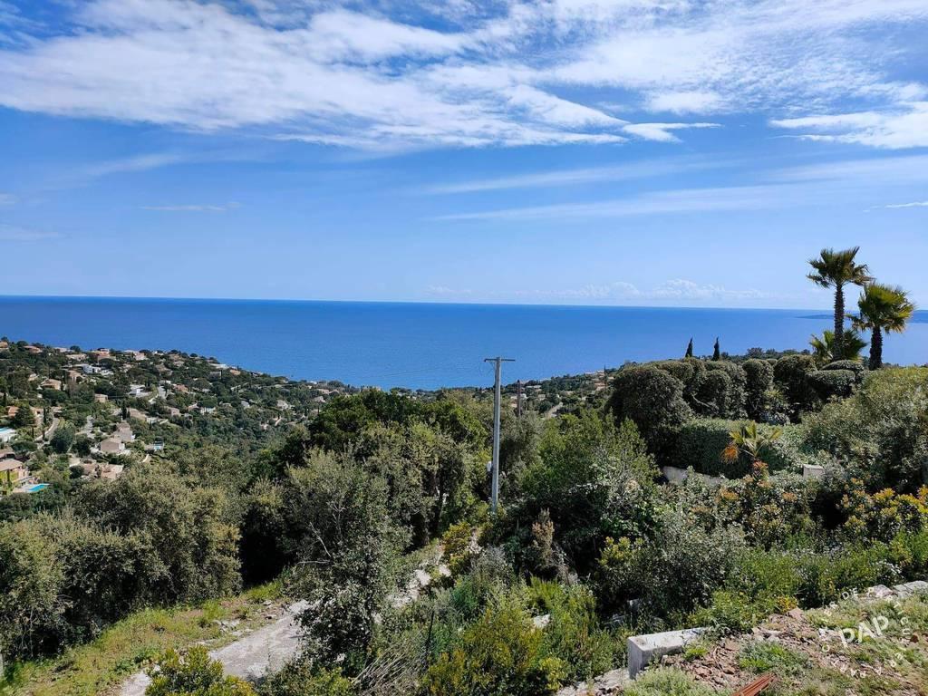 Vente Terrain Roquebrune-Sur-Argens (83380)  750.000€