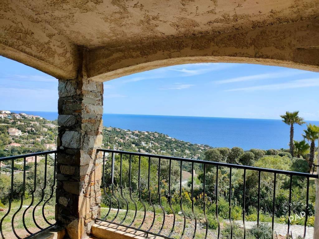 Terrain Roquebrune-Sur-Argens (83380) 750.000€