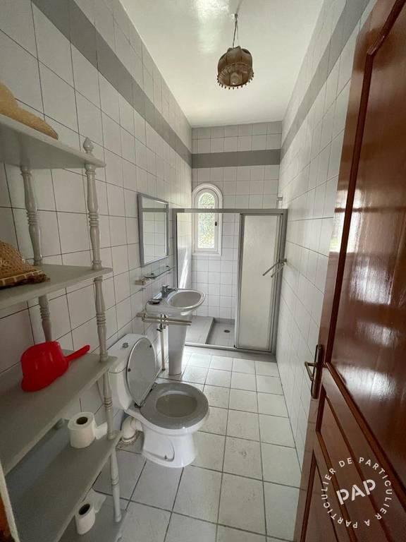 Maison . 330.000€