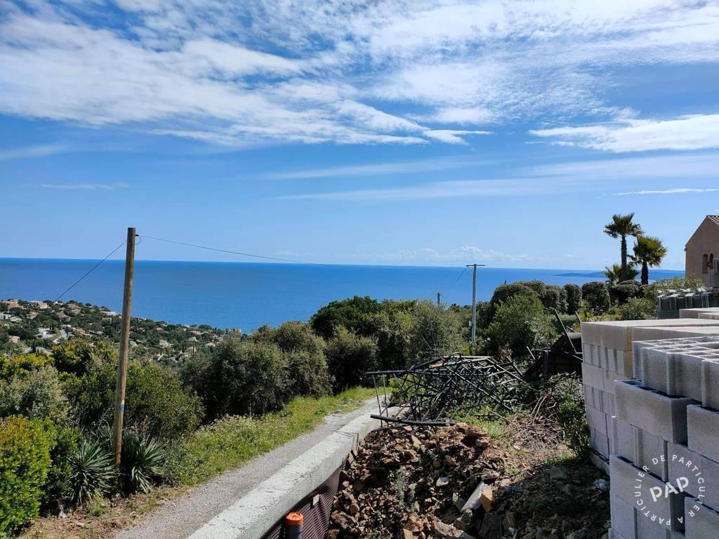 Terrain 750.000€  Roquebrune-Sur-Argens (83380)
