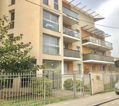 Lyon 8E (69008) - Appartement T3 Et Garage