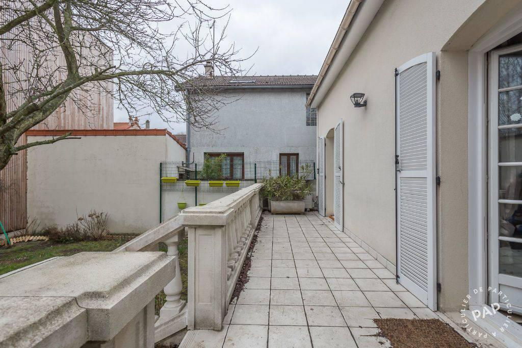 Appartement 650€ 11m² Villejuif (94800)