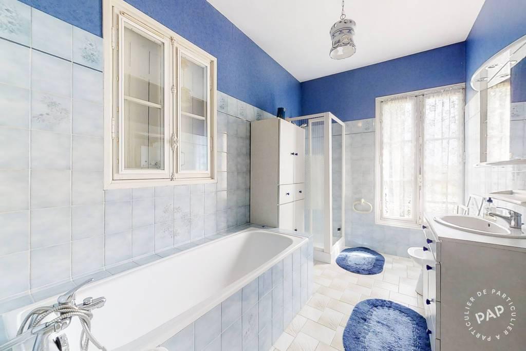 Immobilier Civrac-De-Blaye (33920) 450.000€ 220m²