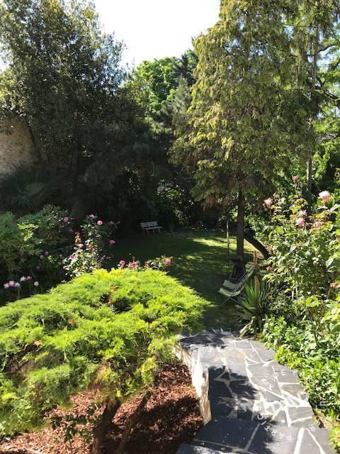 Maison 990.000€ 208m² Vitry-Sur-Seine (94400) - A 400 M Du Rer.