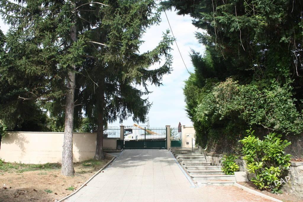 Immobilier Fontaine-Le-Port (77590) 680€ 24m²