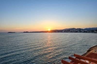 Sanary-Sur-Mer (83110)