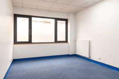 Bureaux, local professionnel Paris 15E (75015) - 14m² - 850€