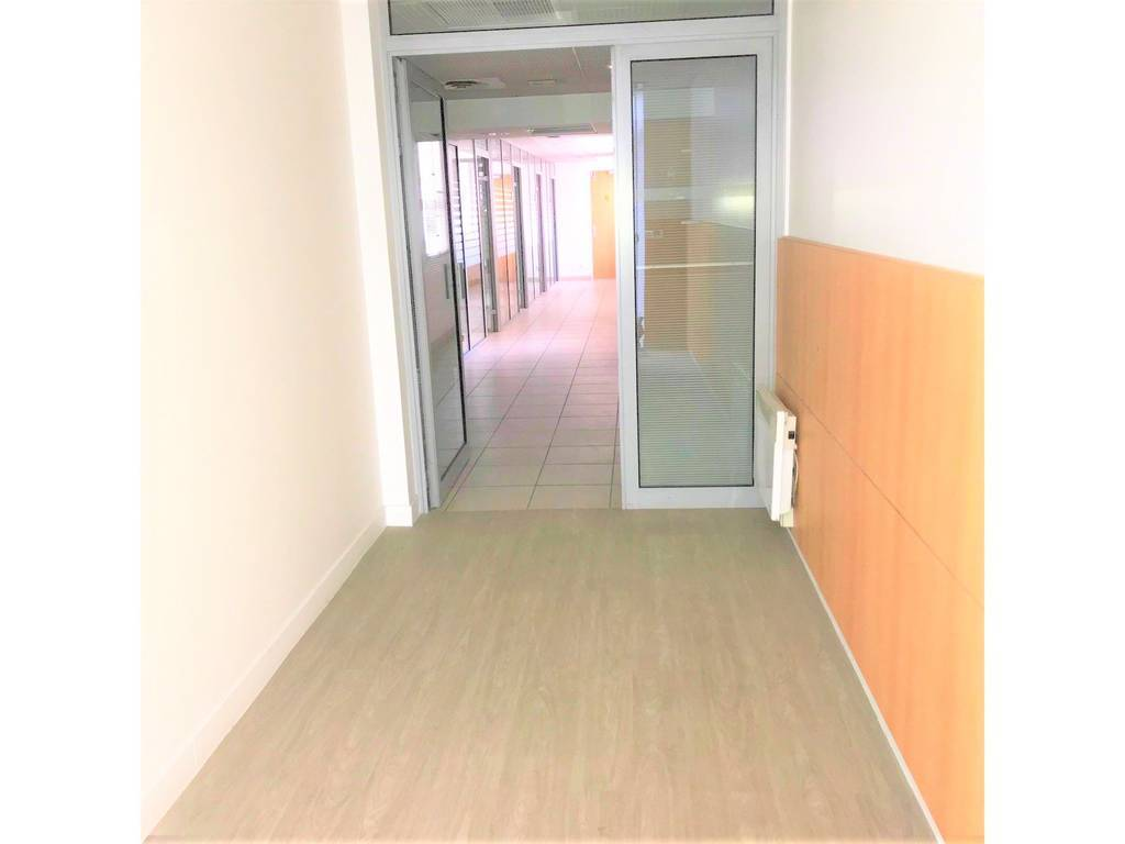 Location Local commercial 154m²
