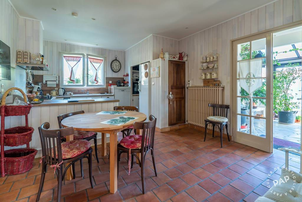 Maison 445.000€ 400m² Coutras (33230)