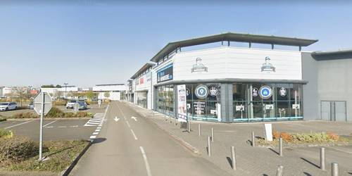 Local commercial Laval (53000) - 143m² - 1.430€