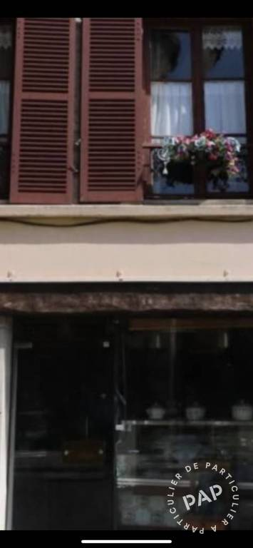 Location Local commercial Maule 48m² 2.100€