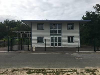Bureaux, local professionnel Montcourt-Fromonville (77140) - 147m² - 150.000€