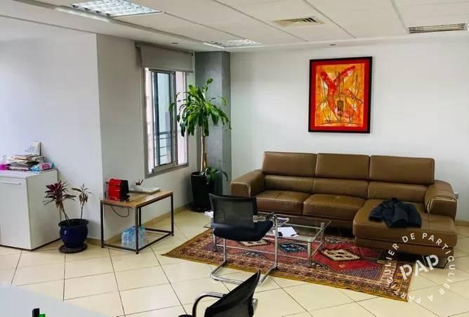 Bureaux, local professionnel . 239.000€