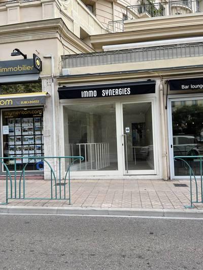 Local commercial Menton (06500) - 12m² - 1.090€