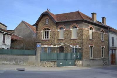 Damery (51480), À 30 Min De Reims