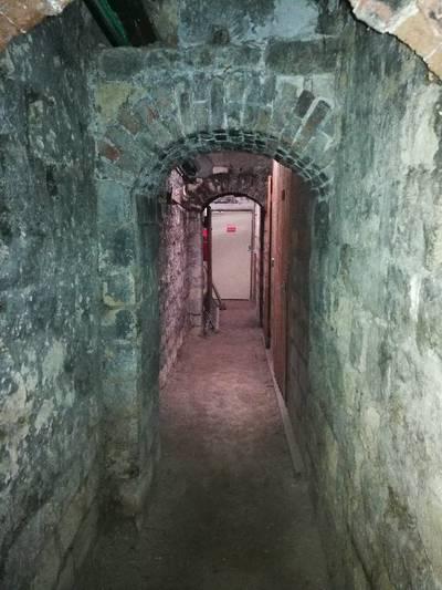 Cave À Paris 19Ème